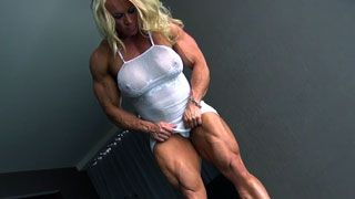 huge female bodybuilder muscle control