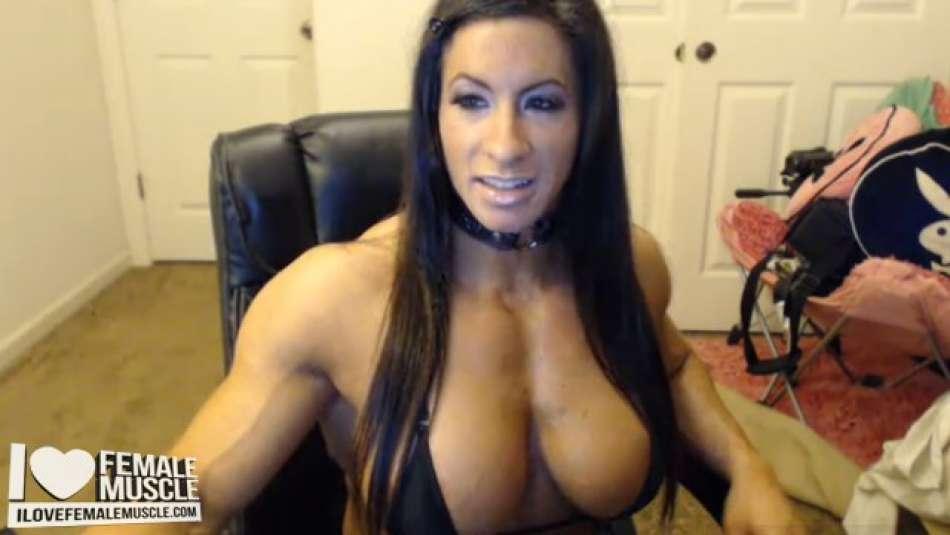huge FBB muscle girl on cams