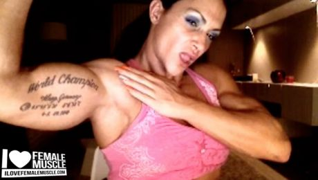 Female Bodybuilder Suzy Kellner Webcam Muscle