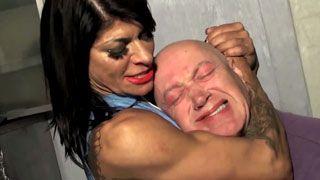 muscle girl chokehold on guy