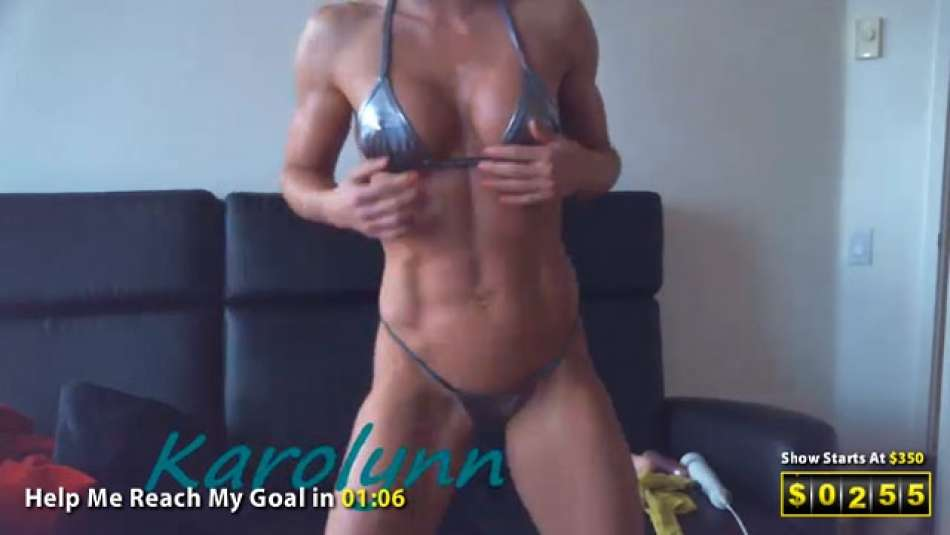 Muscle Girl showing off perfectly ripped and nude bod