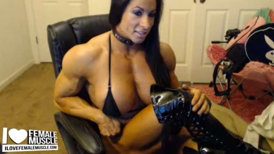 amazing FBB muslce webcam