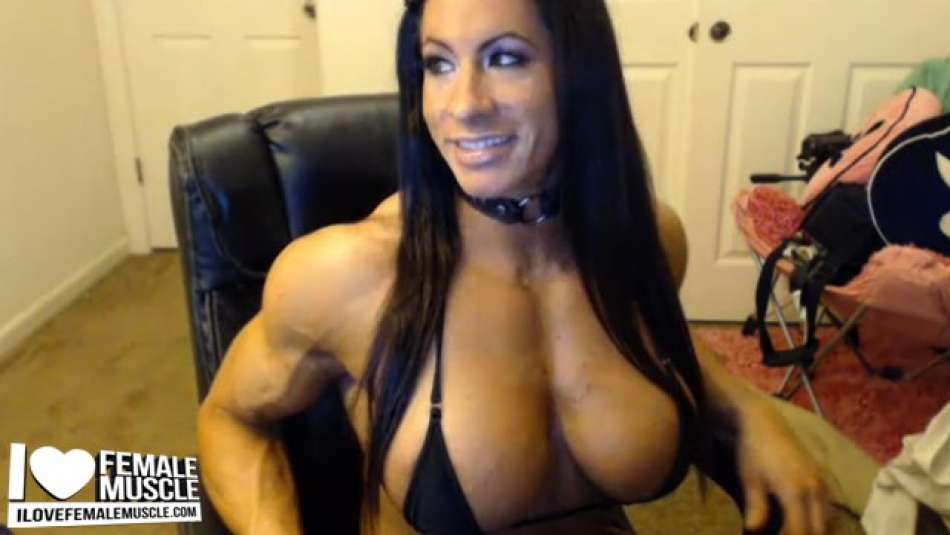 Angela Salvagno sexy muscle girl webcam with latex boots