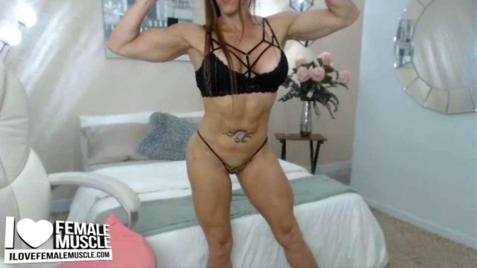 nice muscle cam girl