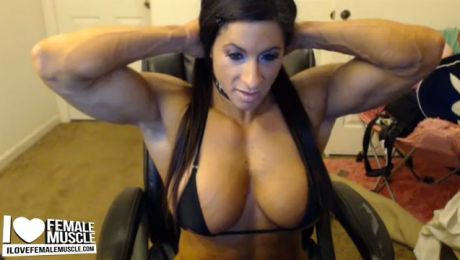 Huge Muscular Webcam Female Bodybuilder Angela Salvagno