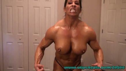 webcam she hulk flexing her massive muscle