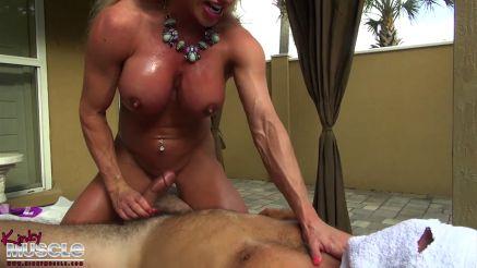 female bodybuilder pornstar Ashlee Chambers ready to fuck