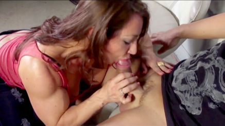 muscle girl sucking a cock