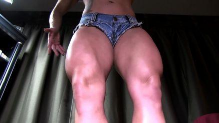 muscular legs on bodybuilder kora angel