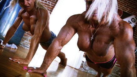 female bodybuilder topless pushups