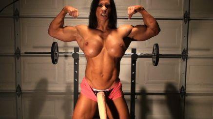 female bodybuilder futa massive cock