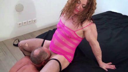 female bodybuilder gets her big clit licked
