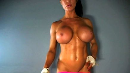 fit webcam girl showing off big tits