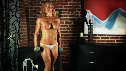 Instagram star Victoria Lomba nude workout